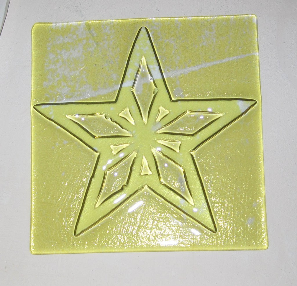 kiln paper Instructions fusing with fusible shapes  cut a square of kiln paper to fit the base of the fuseworks™ microwave kiln place paper on the kiln base kiln paper is.